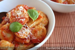 Gnocchi w sosie pomidorowym