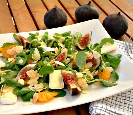 Inspirująco o jedzeniu i kuchni. : Sałatka z figami i lekkim dressingiem pomarańczowym