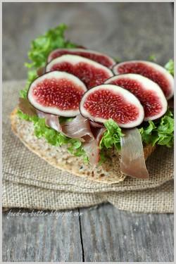 kanapka z figami