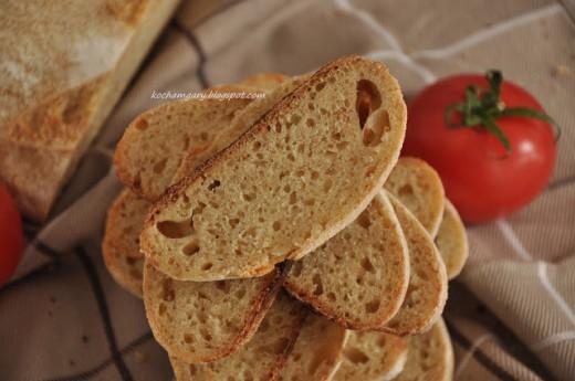 Chleb z semoliną na zakwasie