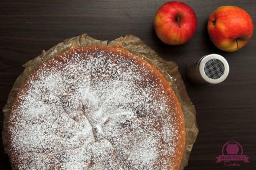 Ciasto biszkoptowe na majonezie z jabłkami