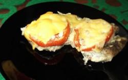 Schabowe z pomidorami i serem + pieczone ziemniaczki