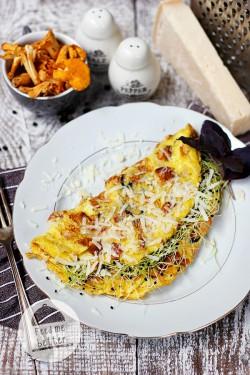 Lekki omlet z kurkami.