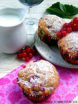 Muffinki kokosowo porzeczkowe