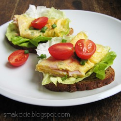 Śniadaniowa frittata na kanapce
