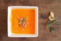 Zupa dyniowa z pieczoną papryką