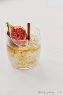 Owsianka z aromatycznym miodem i figami