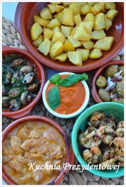Patatas bravas i sos pomidorowo-paprykowy