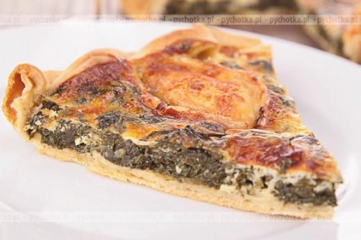 Pizza ze szpinakiem i wędzonym łososiem
