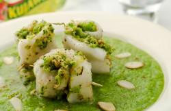 Roladki z halibuta z kremem brokułowym