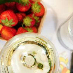 Sałata z wątróbkami drobiowymi i truskawkami