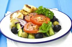 Sałatka Grecka z Grillowaną Fetą
