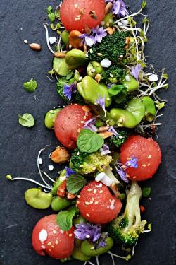 Sałatka z arbuza, bobu i brokuł
