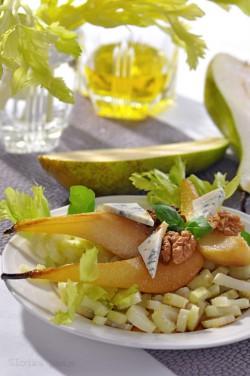 Sałatka z selera i gruszki z orzechami