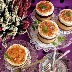 Serniczki kajmakowe ze śliwkami
