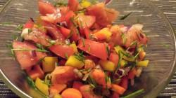 Szybka surówka z pomidorem i papryką