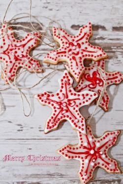 Kruche migdałowe gwiazdeczki na choinkę