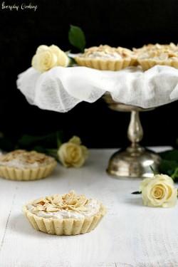 Tartaletki z kremem różanym