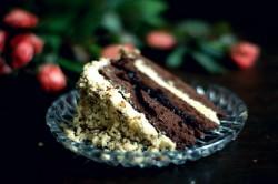 Tort kakaowo-chałwowy