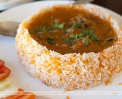 Zupa gulaszowa z mięsem i fasolą