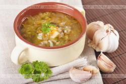 Zupa z zielonym ogórkiem i ziemniakami