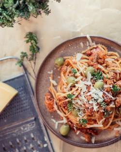 bezglutenowe spaghetti z majerankiem