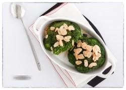 Brokuły z prażonymi migdałami