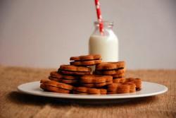 Ciasteczka maślane z powidłami śliwkowymi
