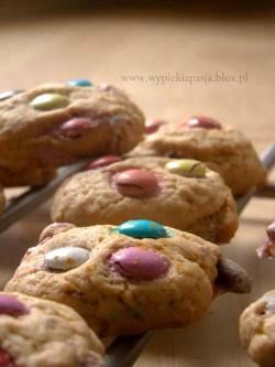 ciasteczka z kolorowymi groszkami
