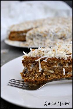Ciasto marchewkowe z polewą maślankową