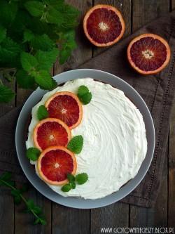 Ciasto z czerwonymi pomarańczami i melisą