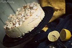 Mrożone ciasto cyrtynowo-bezowe