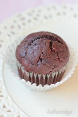 Muffinki czekoladowo – cytrynowe z malinami
