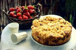 Najprostsze ciasto z truskawkami