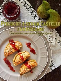 Piecuchów odsłona trzecia czyli pierogi z pieca z serem castello z niebieską pleśnią i gruszkami podane z żurawiną
