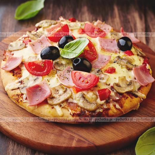 Pizza z pomidorami i mozzarellą V2