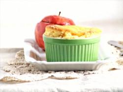 sufleciki serowe i jabłka zapiekane z granolą