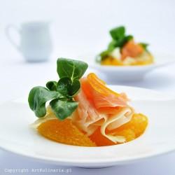 Szparagowe wstążki z łososiem, roszponką i pomarańczą | ArtKulinaria