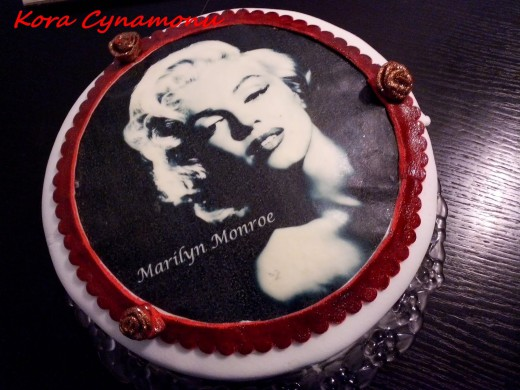 tort Marilyn Monroe