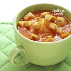 Zupa cebulowa z pomidorami i grzankami