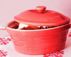 Kitchen Witchery: Ravioli w sosie paprykowo-pomidorowym zapiekane z fetą