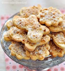 kruche ciasteczka z orzechami
