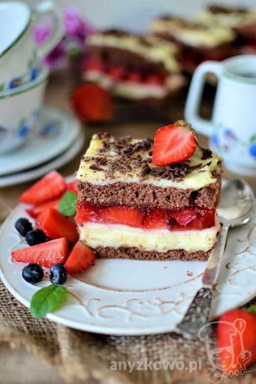 Pyszne ciasto z galaretką i masą budyniową