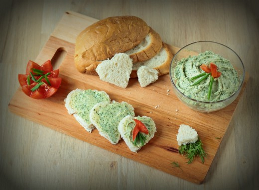 Pyszne śniadanie z ziołowym serkiem co łososia kryje w sobie :)