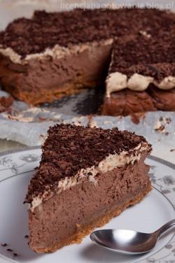 sernik czekoladowo-orzechowy