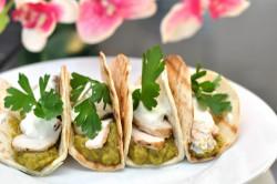 Tacos z piwnym kurczakiem i guacamole