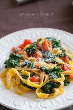 Makaron ze szpinakiem i pomidorkami – Danie w 5 minut | Moja Delicja