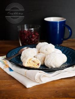 Śnieżki – ciasteczka z białą czekoladą i żurawiną Ósmy kolor tęczy – Blog kulinarny