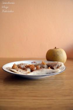 Pierożki z jabłkiem – na jedną porcję.