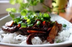 Wołowina po azjatycku w pysznym sosie